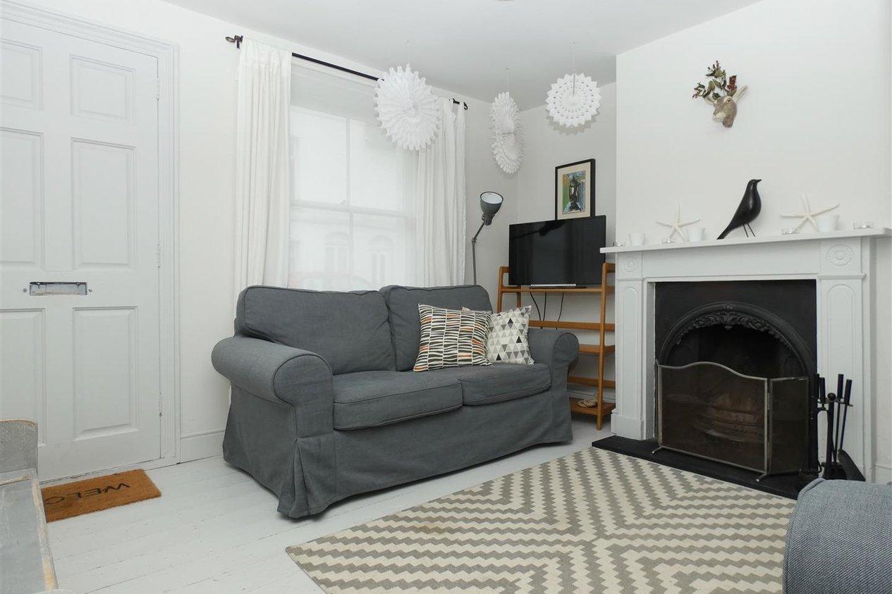 Properties To Let in Woodlawn Street